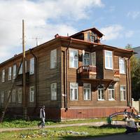Проспект Чумбарова-Лучинского, 42