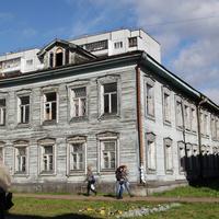 Проспект Чумбарова-Лучинского, 44