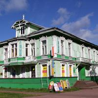 Проспект Чумбарова-Лучинского. Дом Чудинова