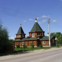 Отстроенный после пожара храм Михаила Архангела в с. Пышлицы. Август 2016г.