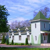 "Александровка,мотель кафе-ресторан ""Гостинний Двір"",возле трассы Киев-Знаменка."