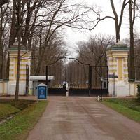 """Ворота в парк """"Александрия"""""""