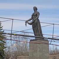 """Пискарёвское мемориальное кладбище. Монумент """"Мать-Родина""""."""