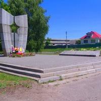 Могила воинов-освободителей 62-й гвардейской дивизии под командованием генерала И.П. Мошляка