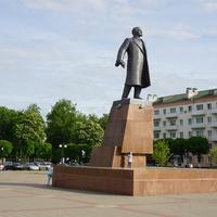 На площади В.И.Ленина.