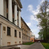 Набережная Обводного канала. Православная духовная академия.
