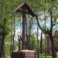 Крест на месте Спасского собора на площади Ленина