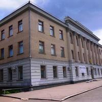 Черкасский художественный музей.Музей расположен в центре города Черкассы в бывшем здании горкома коммунистической партии Украины.