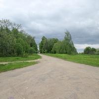 Площадка за селом и дорога на Паздерино.