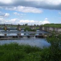 Плотина на реке Каширка
