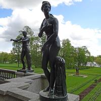 Гранитная терраса. Скульптура Венеры.