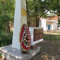 Братская могила воинов ВОВ