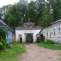 Северные ворота Знаменского женского монастыря