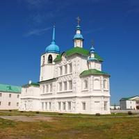 В Спасо-Преображенском монастыре.