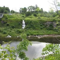 Ивангород, река Нарова. Природный ключ-водопадик