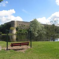 Вид на Ивангородскую крепость с Нарвской стороны