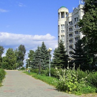 В.Волжская Набережная - Сквер у гостиницы Октябрьская