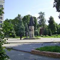 В.Волжская Набережная - Памятник П.Н. Нестерову