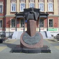 Пл. Лядова - Памятник Н.А. Бугрову