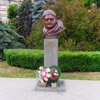 Пам'ятник генерал-майору Мамоту Ігорю Федоровичу.