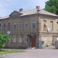 Дом построенный еврейским купцом Школьниковым в 1890 годах, улица Замковый спуск.