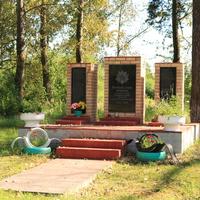 Памятник воинам-земликам Северная Грива погибшим в Великую Отечественную войну