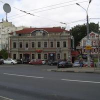 На стыке улиц Варварской и Ковалихинской