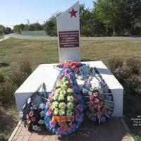 Братская могила периода Гражданской войны в кучманском парке