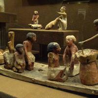 Зал Древнего Египта. Статуэтки.