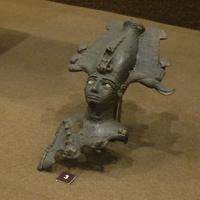 Зал Древнего Египта. Фрагмент статуэтки бога Осириса.