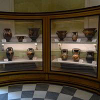Зал аттической керамики. Экспонаты.