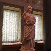 Зал Афины. Статуя Афины.
