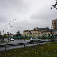 На улице Аккуратова.