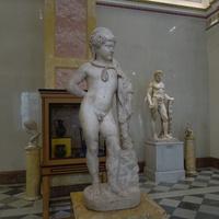 Статуя Геракла-мальчика