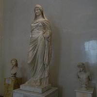 Зал Геракла. Статуя Персефоны.