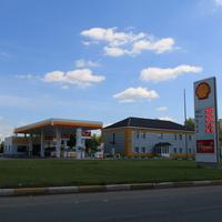 Заводская улица, АЗС Shell