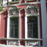 Ул. Ильинская, 20 - Декор дома XIX века