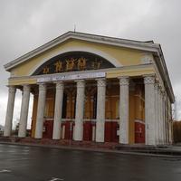 Площадь Кирова. Музыкальный театр.