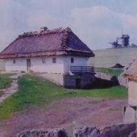 Музей народной архитектуры и быта Украины.Хата из села Ярышев на Винничине.Фото 1977 года.Автор Р.Якименко.