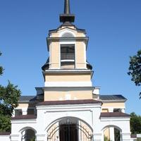 """Лермонтово. Церковь Михаила Архангела в """"Тарханах""""."""