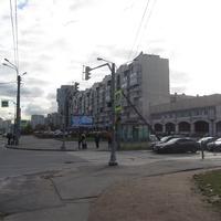 Угол Комендантского проспекта и ул. Долгоозёрной