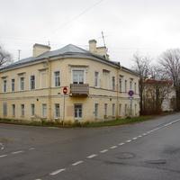 Дом И. Ф. Кузьмина построен 1835-1839