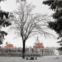 Школьный двор. Вид на Церковь.