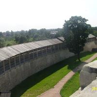 Стена крепости между башнями Луковка и Колокольная
