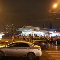 Ст. метро Пионерская.