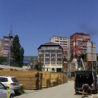 Во дворах за улицей Павлова