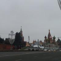 Вид на Кремль и Красную площадь с Большого Москворецкого моста