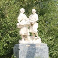 Скульптура Колхозницы