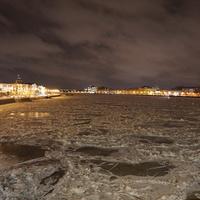 Река Нева.Вид с Литейного  моста