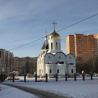 Строящаяся церковь Спаса Преображения